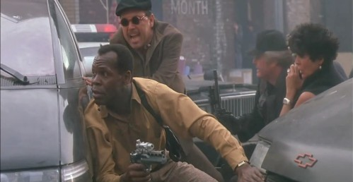 danny-glover-as-lieutenant-mike-harrigan predator 2