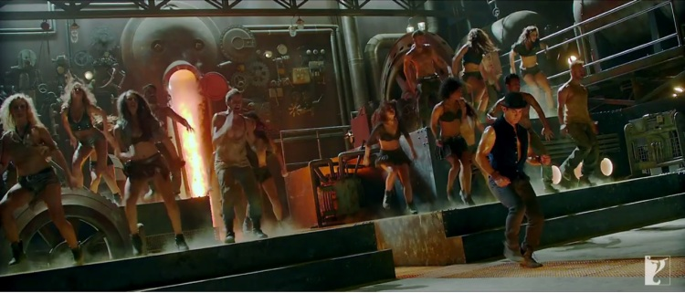 Dhoom-3-Aamir-Doing-Tap-Dance-With-The-Team-on-The-Promo-Video-Of-Tap-Dance-Song (1)