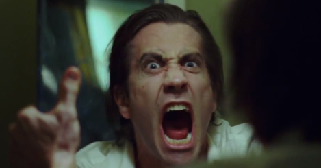 nightcrawler-trailer-jake-gyllenhal-in-the-mirror